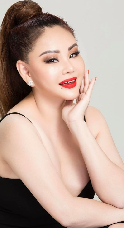 Vẻ nóng bỏng của diễn viên hài Lê Giang ở tuổi 47-11