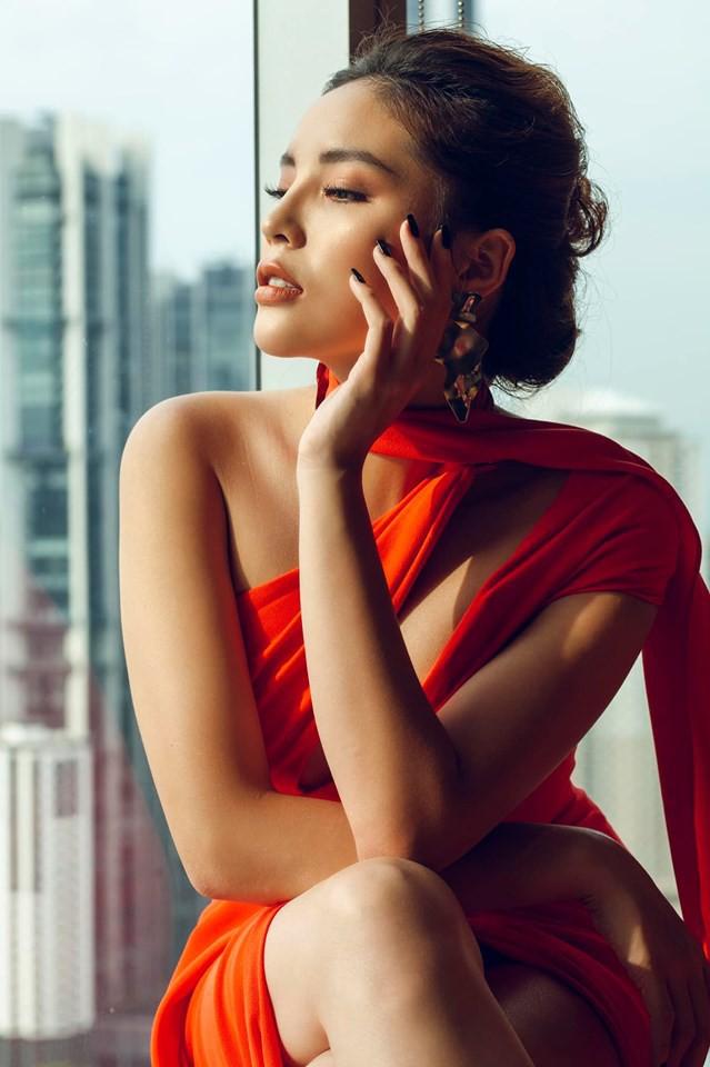 Hoa hậu và chuyện cánh tay to, bụng sồ sề khi chưa photoshop: Đâu phải nữ thần để đòi hỏi đẹp hoàn hảo 100%-1