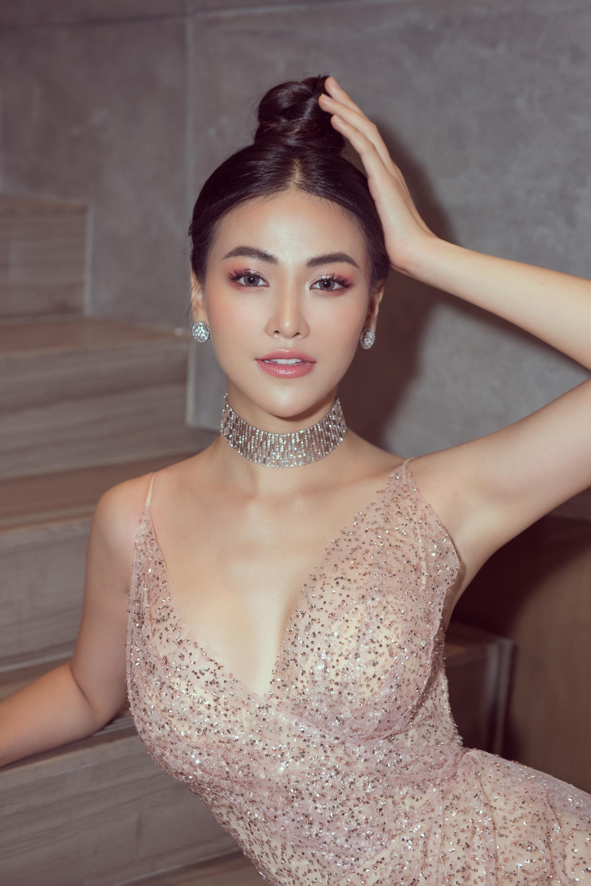 Hoa hậu và chuyện cánh tay to, bụng sồ sề khi chưa photoshop: Đâu phải nữ thần để đòi hỏi đẹp hoàn hảo 100%-2