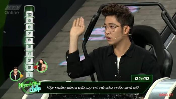 Những lần Hari Won khiến người chơi điên đầu vì đọc câu hỏi đã lơ lớ còn rùa bò tại gameshow Nhanh Như Chớp-5