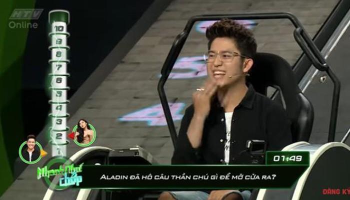Những lần Hari Won khiến người chơi điên đầu vì đọc câu hỏi đã lơ lớ còn rùa bò tại gameshow Nhanh Như Chớp-4