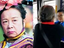 """Clip """"Dung Ma Ma"""" từ chối ngồi ghế của trẻ con trên xe buýt đang gây sốt MXH, ai cũng thốt lên: """"Nghệ sĩ đức tài song toàn đây rồi"""""""