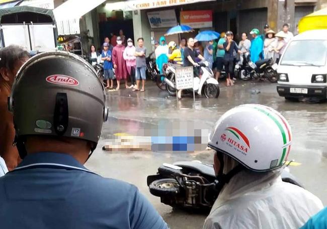 TP.HCM: Đi báo tin bà ngoại mất lúc trời mưa lớn, thiếu nữ 16 tuổi chết thảm dưới bánh xe tải-2