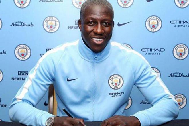 Tìm ra cầu thủ số hưởng nhất đội hình Man City-1
