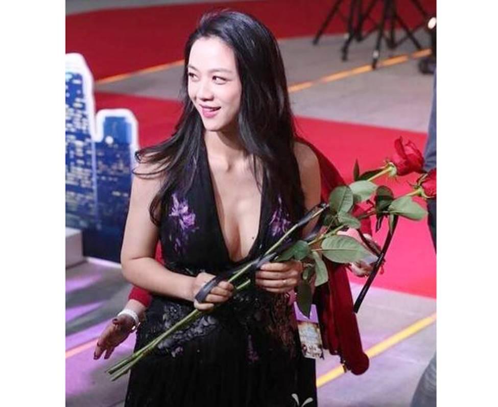 Sắc đẹp ma mị của 3 mỹ nhân gắn với ông hoàng cảnh nóng Hồng Kông-17