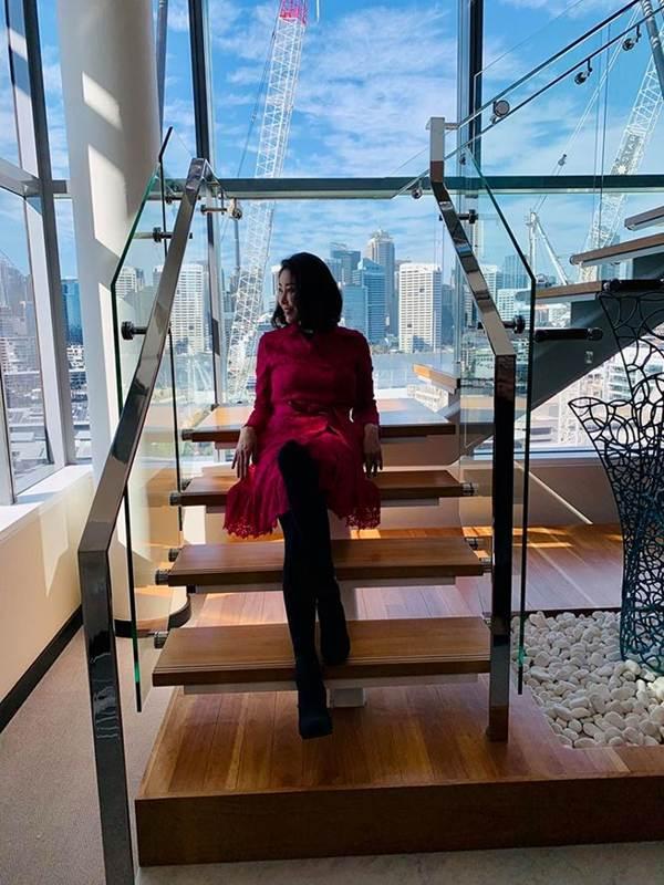 HHen Niê mặc lại váy dạ hội gây bão ở Miss Universe trong tiệc sinh nhật sớm-6