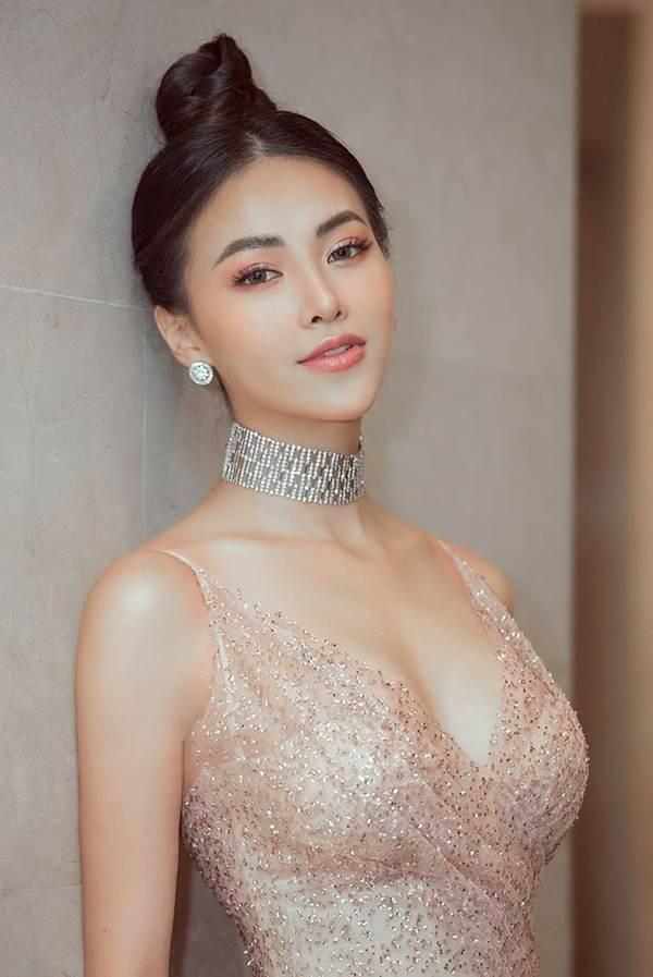 HHen Niê mặc lại váy dạ hội gây bão ở Miss Universe trong tiệc sinh nhật sớm-12