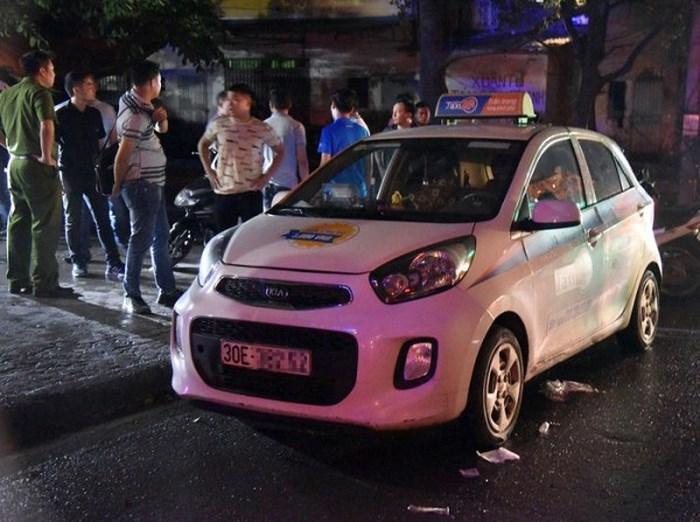 Hé lộ nguyên nhân nữ tài xế taxi bị đâm trọng thương gần khu Đền Lừ-1