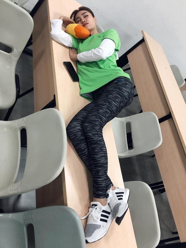 """Running Man: Thánh chơi dơ BB Trần tung ảnh dìm hàng"""" Trấn Thành, Jun Phạm, Lan Ngọc vạ vật ngủ mà ai cũng bật cười-2"""