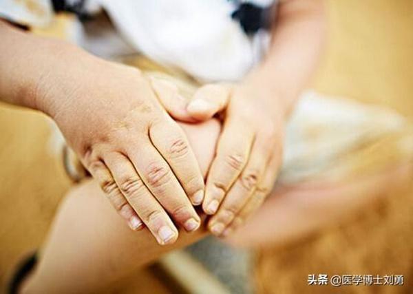 3 dấu hiệu bất thường ở tay chân: 80% khả năng bạn bị tắc mạch máu, nên xử lý ngay-6