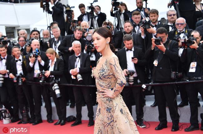 Bị đuổi khỏi thảm đỏ Cannes, cung nữ của Cao Quý Phi trong Diên Hi Công Lược vẫn chây lì tạo dáng-3