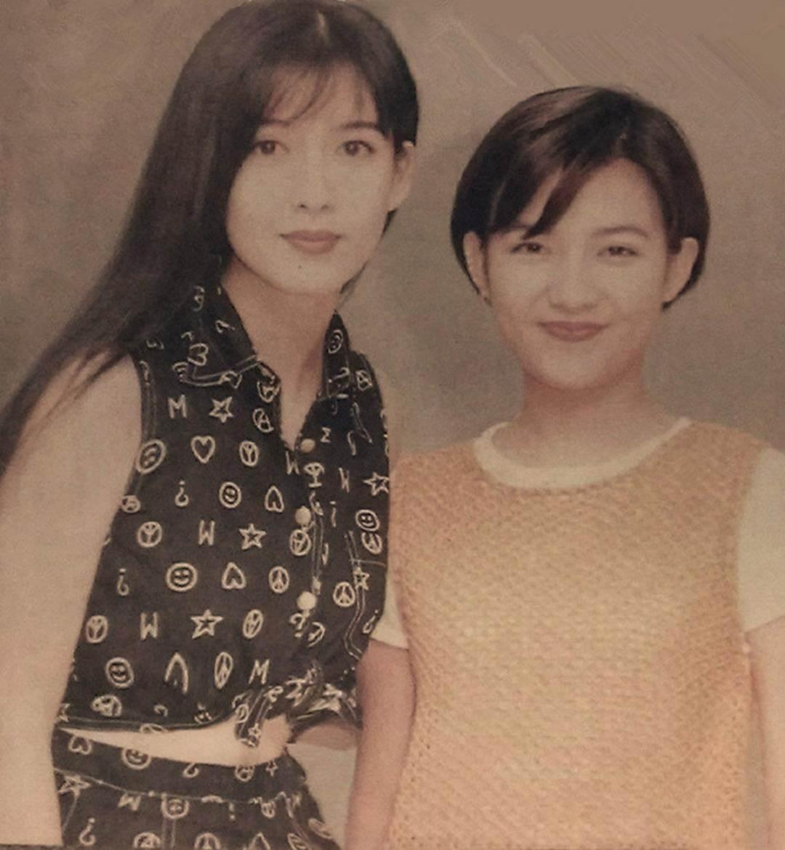 Châu Huệ Mẫn chia sẻ ảnh hiếm chụp cùng Trương Vệ Kiện, Châu Tinh Trì-14
