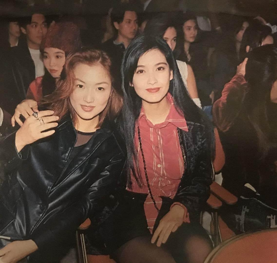 Châu Huệ Mẫn chia sẻ ảnh hiếm chụp cùng Trương Vệ Kiện, Châu Tinh Trì-9