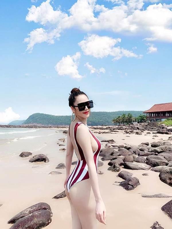 Tình cũ của Trường Giang tung ảnh bikini khoe đường cong 'bỏng mắt'-4