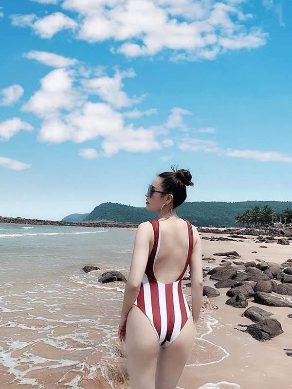 Tình cũ của Trường Giang tung ảnh bikini khoe đường cong 'bỏng mắt'-5