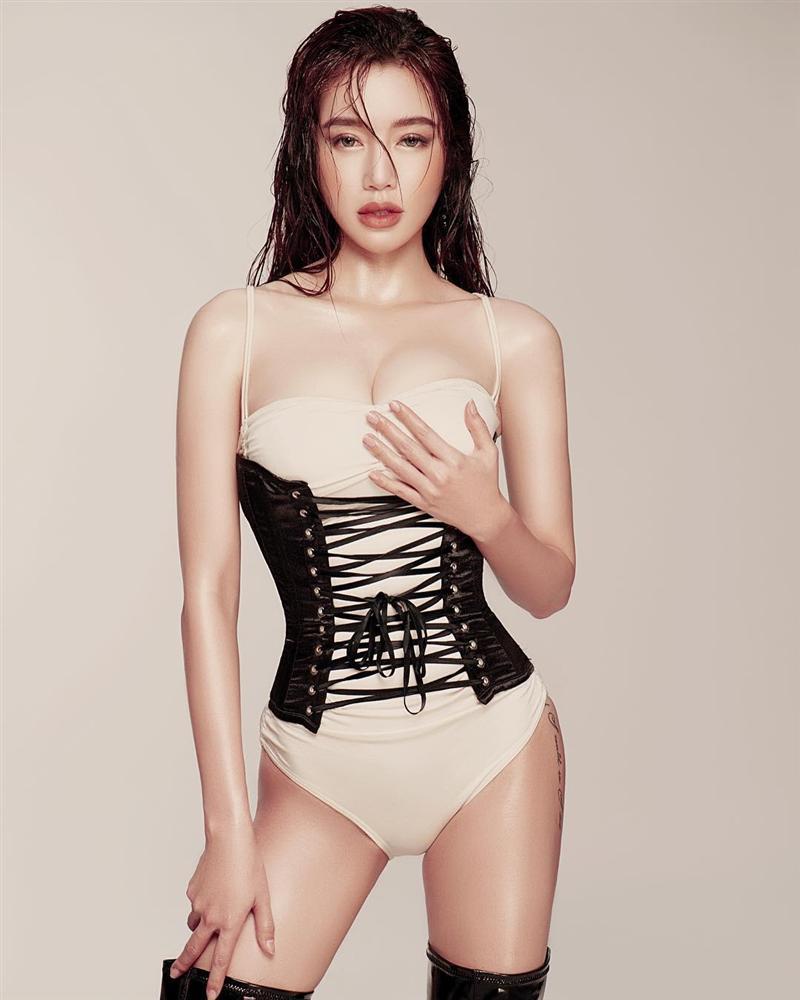 Elly Trần tung bằng chứng chọi vô mặt những người dám tố mình photoshop quá đà-1