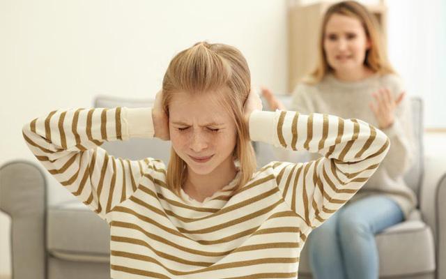 Cha mẹ dùng 9 câu nói cay độc này để kỷ luật con, chẳng những không hiệu quả mà còn khiến trẻ tổn thương sâu sắc-2