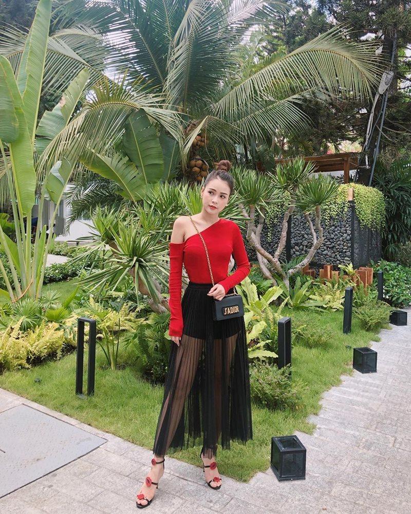 STREET STYLE giới trẻ: Chi Pu - Quỳnh Anh Shyn siết eo nhỏ đến ngỡ ngàng với mốt áo corset-7
