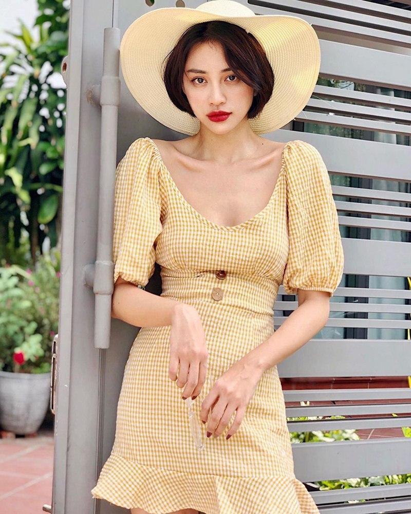 STREET STYLE giới trẻ: Chi Pu - Quỳnh Anh Shyn siết eo nhỏ đến ngỡ ngàng với mốt áo corset-8