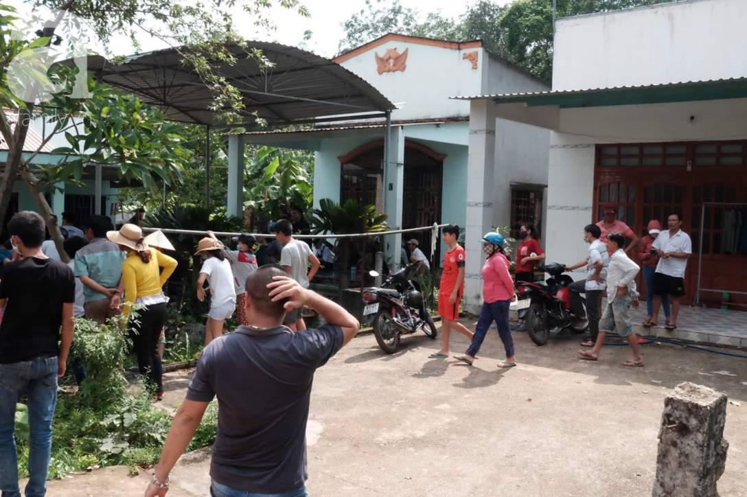 Hiện trường ngôi nhà bí ẩn có 2 thi thể đang phân hủy trong khối bê tông, cảnh sát phong tỏa nghiêm ngặt-1