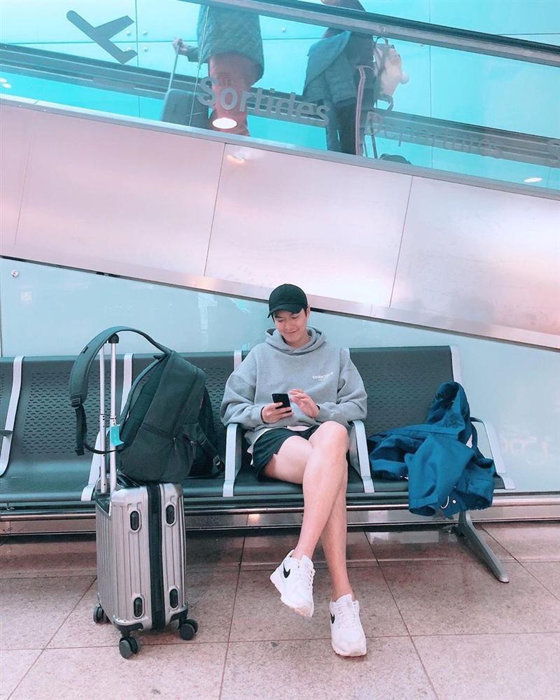 Chỉ là ngồi chờ ở sân bay, Lee Min Ho vẫn khiến khối chị em phải ghen tỵ vì đôi chân dài cực phẩm vừa trắng vừa thon-3