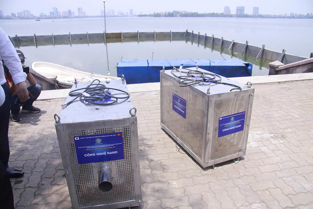 Chuyên gia Nhật giữa trưa lội nước, sông Tô Lịch chờ đón điều bất ngờ-14