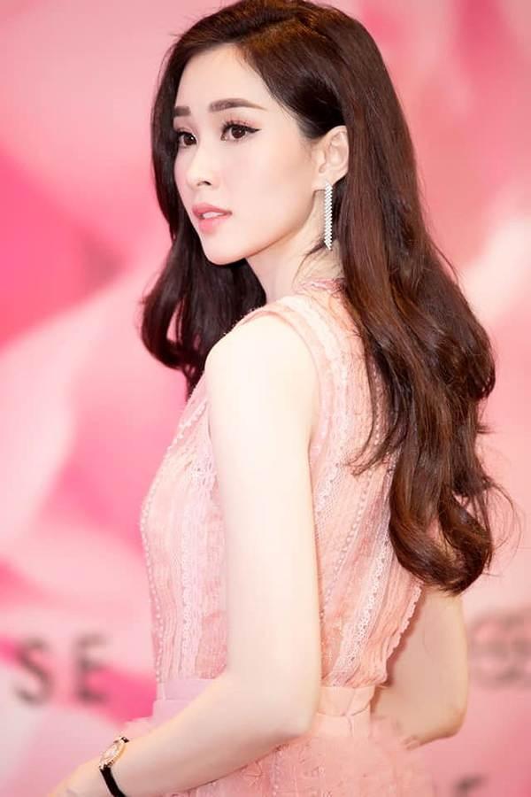 Hoa hậu Thu Thảo và nhan sắc gái một con gây thương nhớ-12