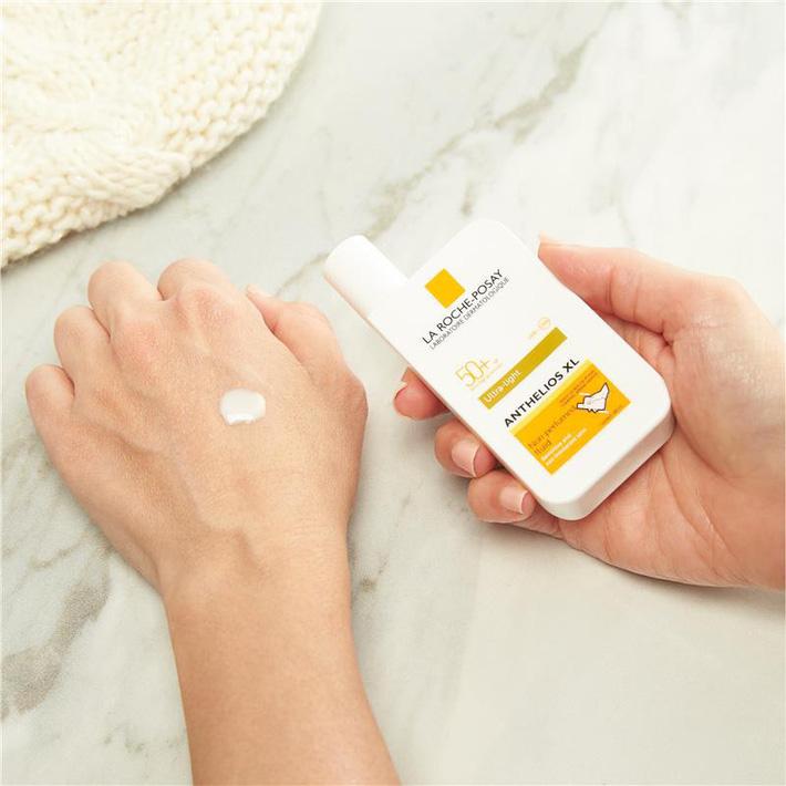 Cảnh báo: Từ giờ đến cuối tuần tia UV tại Hà Nội cao vọt có thể gây bỏng da, kem chống nắng nặng đô chính là sản phẩm quan trọng nhất lúc này-8