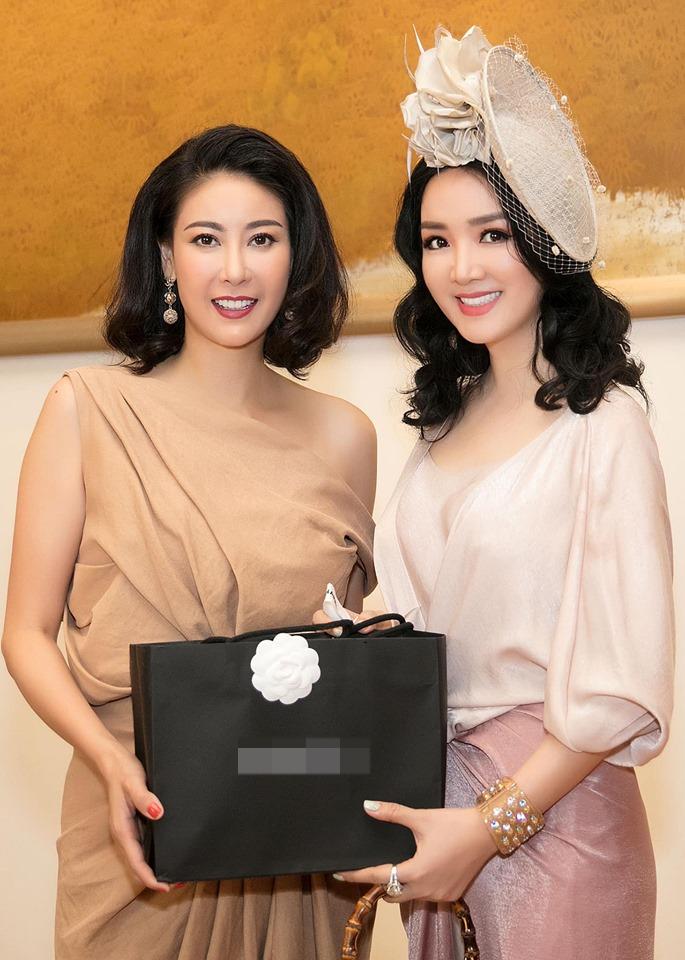 Hà Kiều Anh, Hồng Nhung, Giáng My tuổi U50 vẫn quyến rũ vượt mặt dàn gái trẻ-8