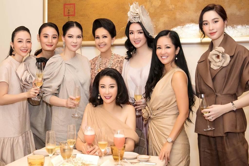 Hà Kiều Anh, Hồng Nhung, Giáng My tuổi U50 vẫn quyến rũ vượt mặt dàn gái trẻ-9