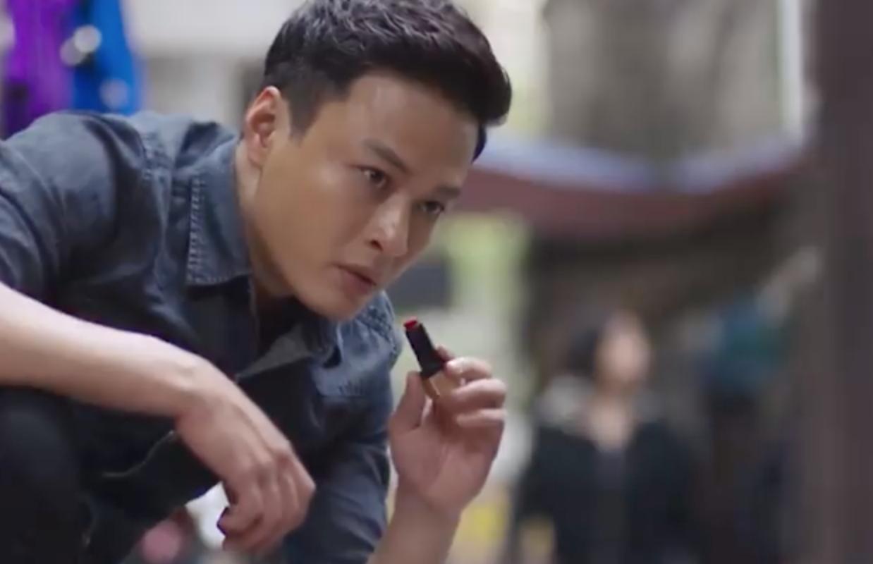 Vứt hết logic sang một bên, cảnh sát Khánh đứng đánh hơi ngay giữa... chợ để tìm bồ bị bắt cóc-6