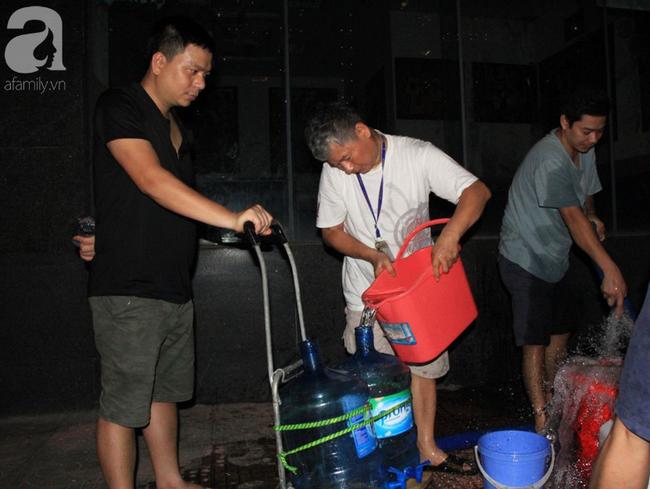 Hà Nội: Giữa đợt nắng nóng đỉnh điểm, 200 hộ dân chung cư nhốn nháo vì mất nước sinh hoạt-9
