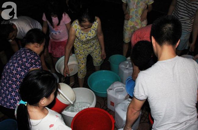 Hà Nội: Giữa đợt nắng nóng đỉnh điểm, 200 hộ dân chung cư nhốn nháo vì mất nước sinh hoạt-2