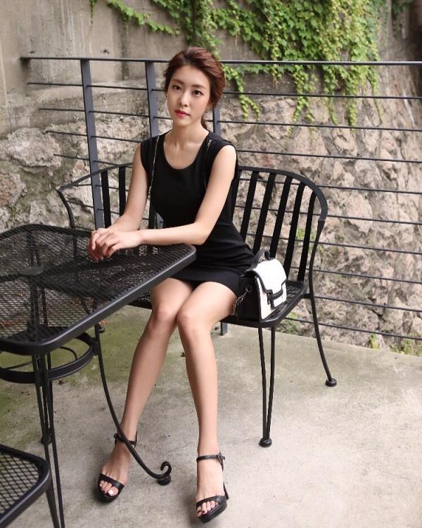 Bạn gái kém 17 tuổi của So Ji Sub hóa ra lại cực kỳ nổi tiếng tại Hàn Quốc và thậm chí được tôn là nữ thần-11
