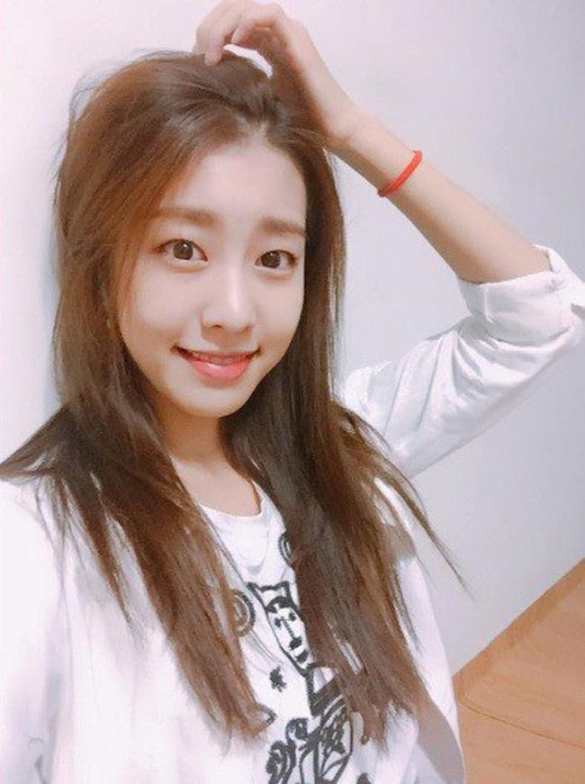 Bạn gái kém 17 tuổi của So Ji Sub hóa ra lại cực kỳ nổi tiếng tại Hàn Quốc và thậm chí được tôn là nữ thần-13
