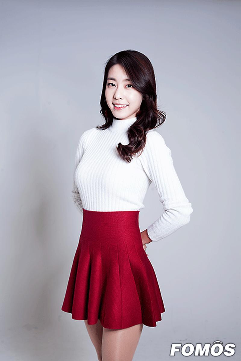 Bạn gái kém 17 tuổi của So Ji Sub hóa ra lại cực kỳ nổi tiếng tại Hàn Quốc và thậm chí được tôn là nữ thần-19