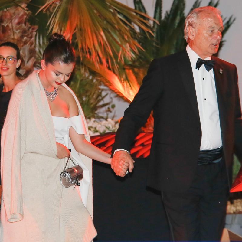 Choáng: Sau bao năm chia tay Justin, Selena Gomez thông báo chuẩn bị kết hôn với tài tử 69 tuổi?-5