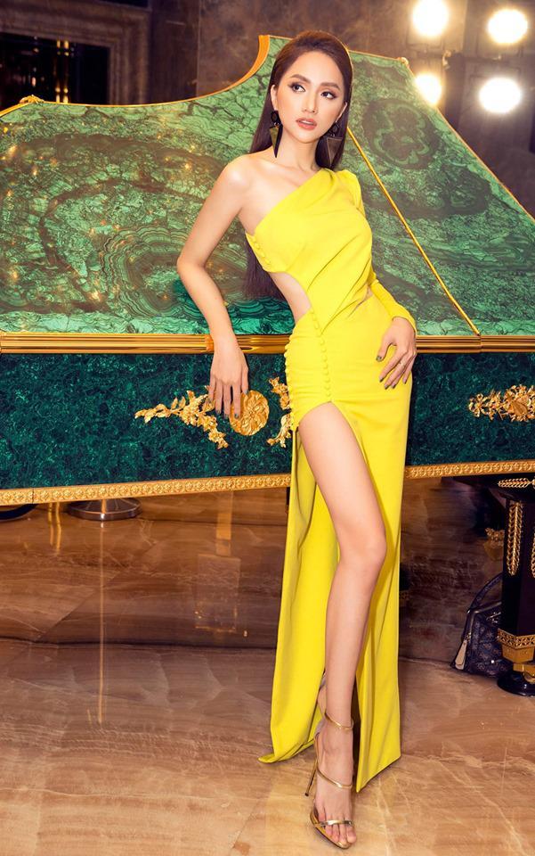 Diện chiếc váy cắt xẻ đến 4 điểm cực hiểm, Hương Giang thách thức mọi ánh nhìn-2