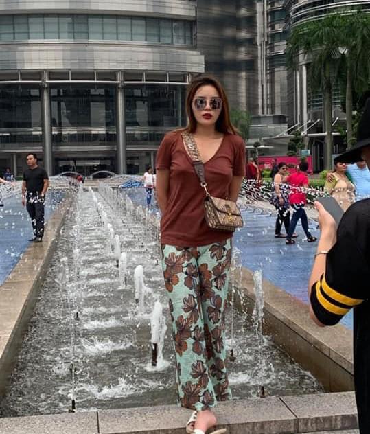 Kỳ Duyên khoe street style xuề xòa như bà đẻ giữa dàn mỹ nhân lên đồ nóng bỏng ngày hè-9