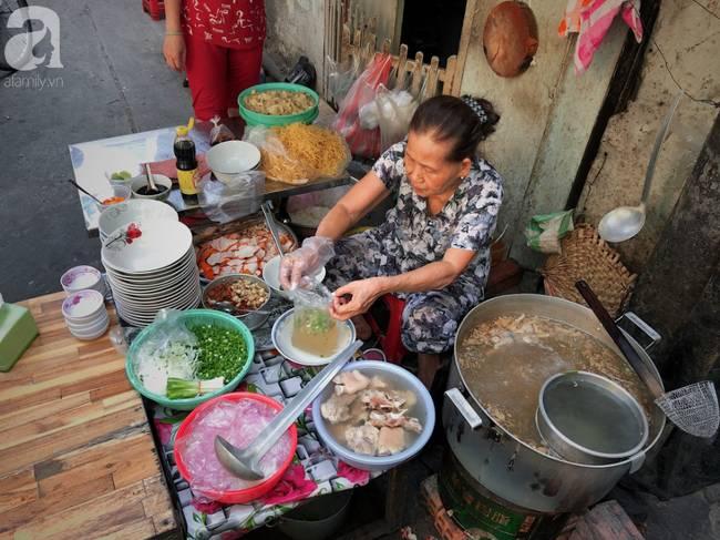 Quán ăn nhỏ hơn 40 năm tuổi góp phần làm nên văn hóa ẩm thực hẻm Sài Gòn: 7 ngày bán 7 món khác nhau, tuyệt hảo nhất chính là món chay-2