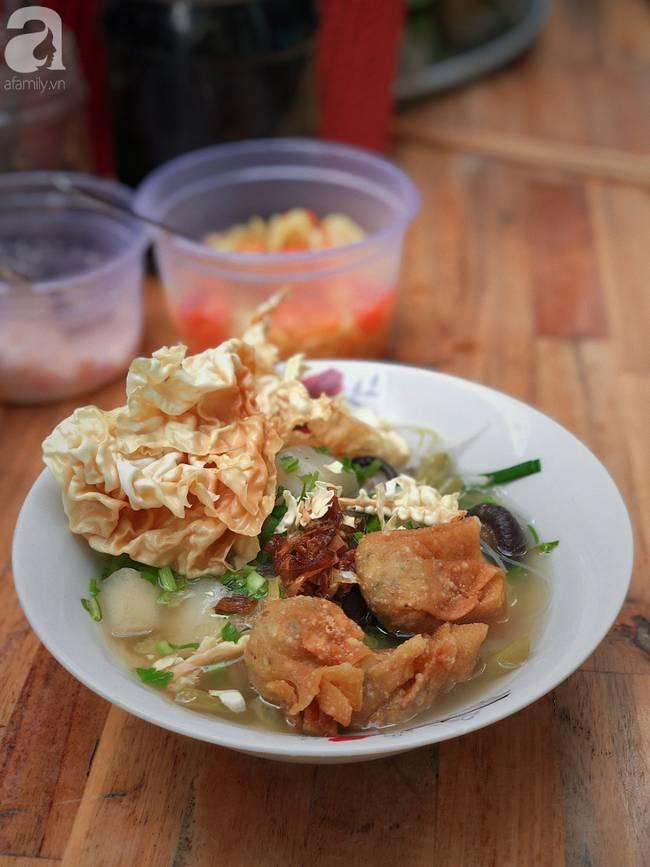 Quán ăn nhỏ hơn 40 năm tuổi góp phần làm nên văn hóa ẩm thực hẻm Sài Gòn: 7 ngày bán 7 món khác nhau, tuyệt hảo nhất chính là món chay-10