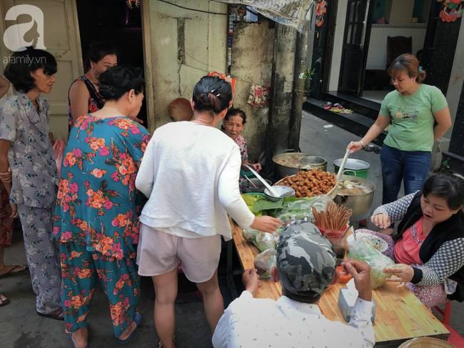 Quán ăn nhỏ hơn 40 năm tuổi góp phần làm nên văn hóa ẩm thực hẻm Sài Gòn: 7 ngày bán 7 món khác nhau, tuyệt hảo nhất chính là món chay-12