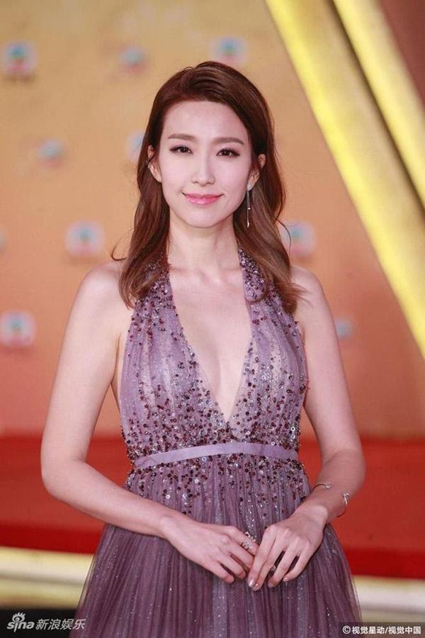 Showbiz Hong Kong lại chấn động: Hoa đán TVB Diêu Tử Linh bị lộ ảnh giường chiếu với chồng của bạn thân?-5