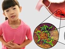 Bác sĩ cảnh báo: Ngày càng nhiều trẻ em bị thủng, loét dạ dày vì thói quen ăn uống tưởng chừng vô hại mà cha mẹ vẫn để con làm