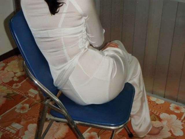 Diện áo dài mỏng manh lộ rõ nội y bên trong, nhóm nữ sinh gây phẫn nộ MXH-5