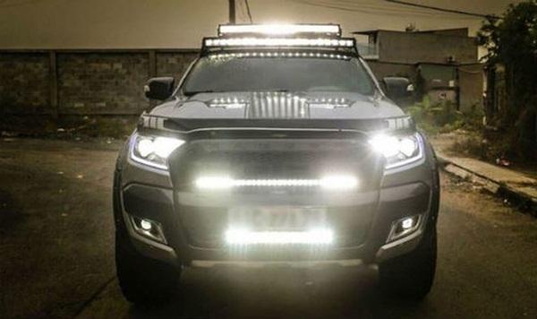 Tài xế cần sử dụng đèn ra sao khi lái xe vào ban đêm?-1