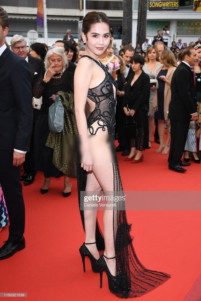 """Toàn bộ hình ảnh Ngọc Trinh ở Cannes với bộ cánh có như không"""" bị truyền thông quốc tế đăng tải, nhưng những ánh mắt ái ngại mới đáng chú ý-6"""