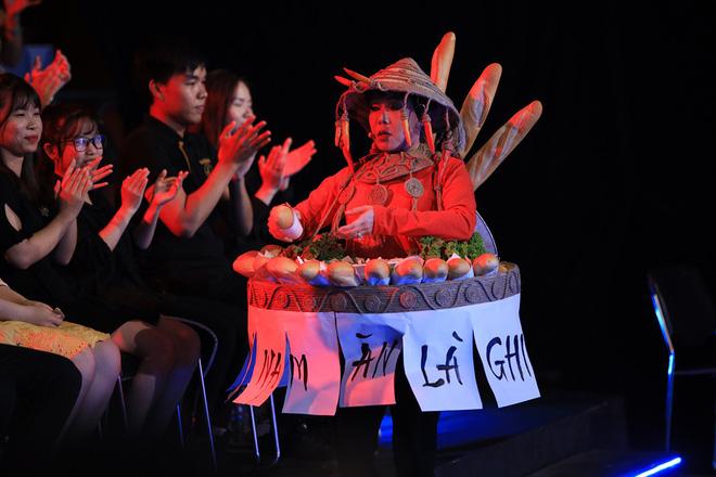 Trấn Thành thay thế Hoài Linh, nhường vị trí MC lại cho Trường Giang và phản ứng của khán giả-4