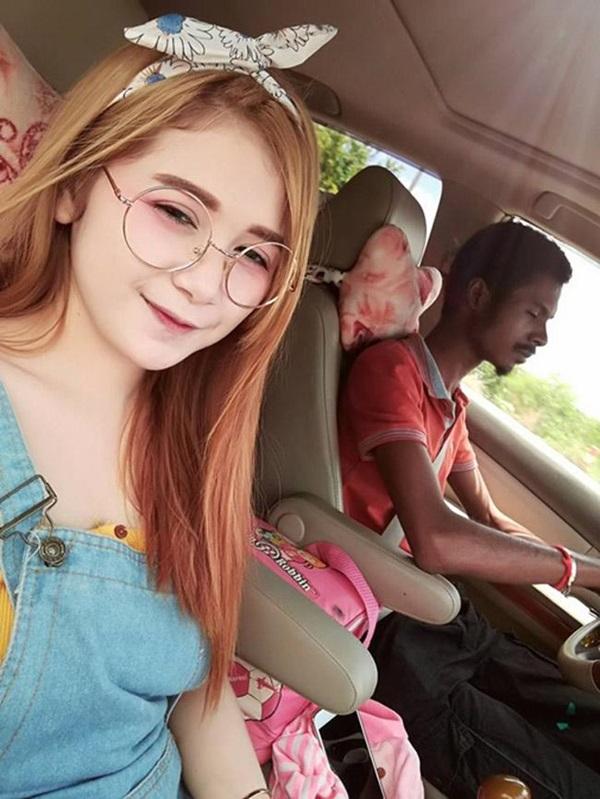 Cặp chồng xấu vợ hotgirl công khai ảnh gia đình, nhìn mặt con gái mà sốc-2