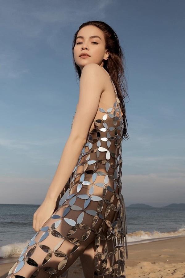 Minh Tú mặc thiết kế bị tố đạo nhái từ trang phục Hồ Ngọc Hà đã mặc trước đó 1 năm-7